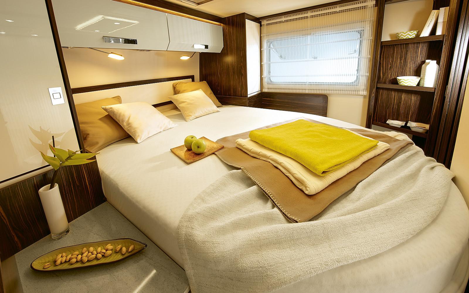 2020 Burstner Elegance Motorhome - Interior - Photo - Rear Island Bed