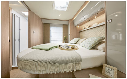 2020 Burstner Ixeo I - A-Class - Bedroom Island Bed
