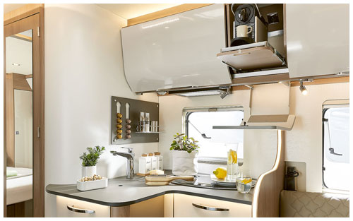 2020 Burstner Ixeo I - A-Class - Kitchen