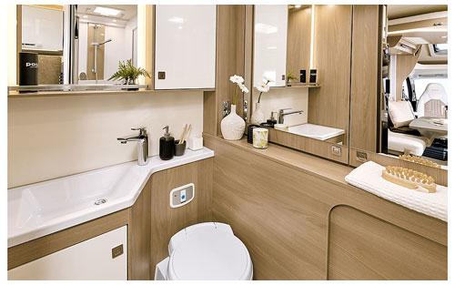 2020 Burstner Lyseo TD Harmony Line Motorhome - Interior Photo - Rear Bathroom